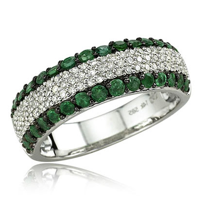 http://www.jewelryadviser.net/wp-content/uploads/diamond-emerald-ring.jpg